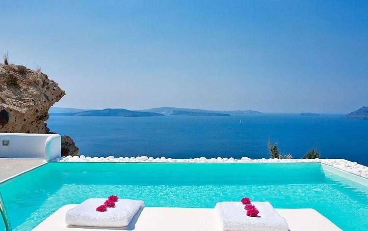 005-katikies-hotel-santorini-greece